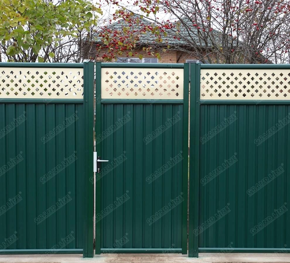 Фасадный забор с воротами и калиткой